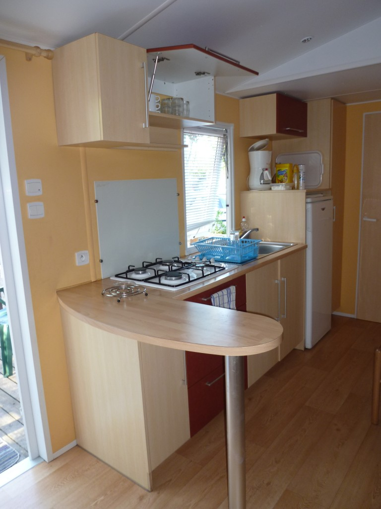 camping familial les m riers descriptif. Black Bedroom Furniture Sets. Home Design Ideas